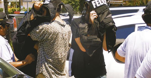 Los extranjeros, ayer, en la Policía