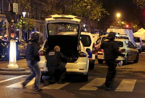Al menos 40 personas han muerto en los tiroteos y las tres explosiones en las inmediaciones del Estadio de Francia.1