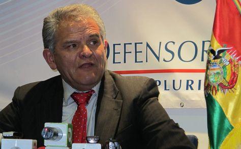 El Defensor del Pueblo, Rolando Villena.