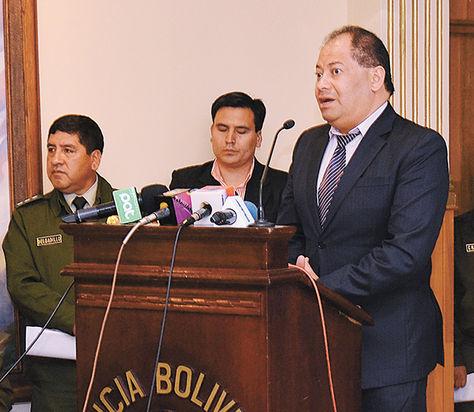 Autoridad. El ministro de Gobierno, Carlos Romero, en La Paz.