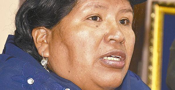 La magistrada Cristina Mamani dijo que ella sugirió la destitución