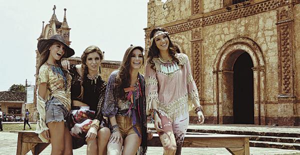 La línea Ixoye de Rosita Hurtado sigue el estilo boho y destaca por una equilibrada combinación de elementos etnográficos de la cultura chiquitana