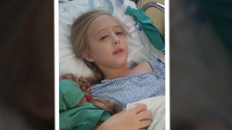 En noviembre, los médicos detectaron el raro carcinoma de la niña de ocho años