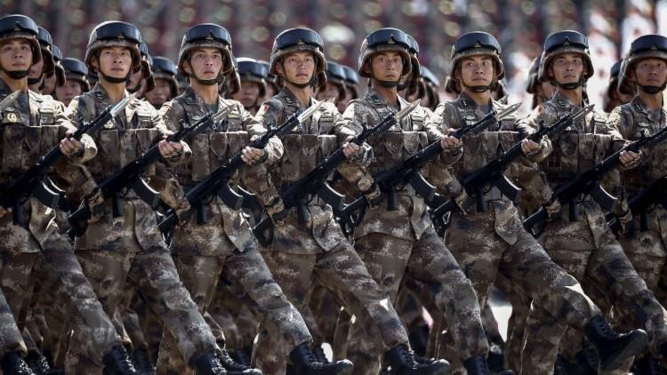 Las tropas chinas en el desfile militar en Pekín