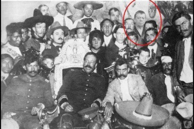 Personajes de la historia mexicana no podían faltar.