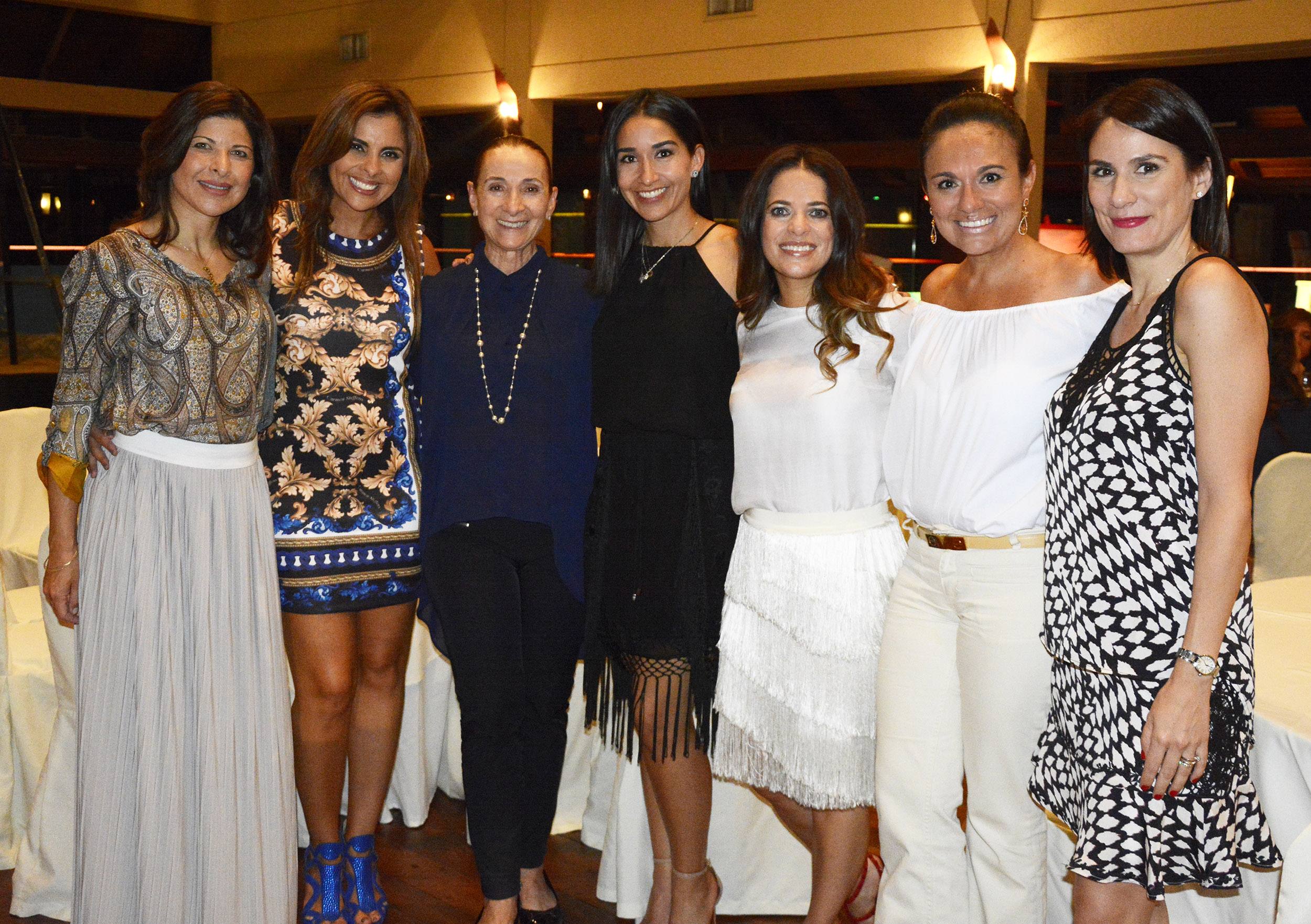 Daniela Mérida-Cristina Spitz-Sarah Mansilla-Sarah Maria Gutiererz-Paola de Barrón-Carla Maria Antelo - Alejandra Pinto.