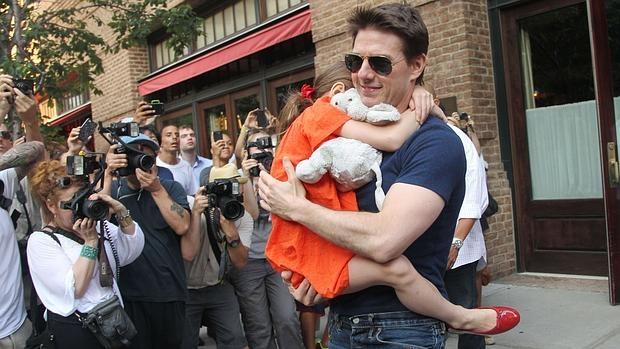 Tom Cruise con su hija Suri en 2012