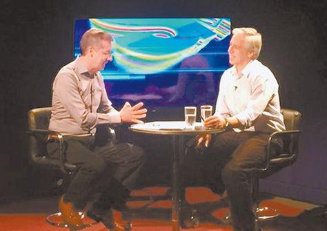 Entrevista. El Vicepresidente (der.) en el set de Abya Yala, ayer. Foto: ABI