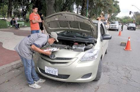 Punto de inspección técnica vehicular.