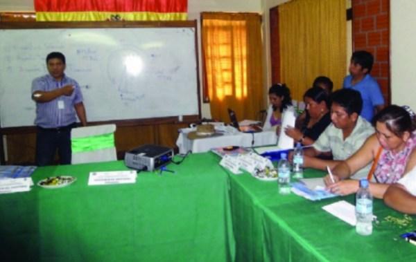 Aramayo denuncia que dirigentes del Fondo Indígena cobraron 10% de todas las transferencias