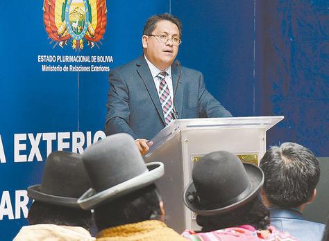 Informe. Calderón brindó una detallada exposición respecto a la demanda durante el informe de gestión.