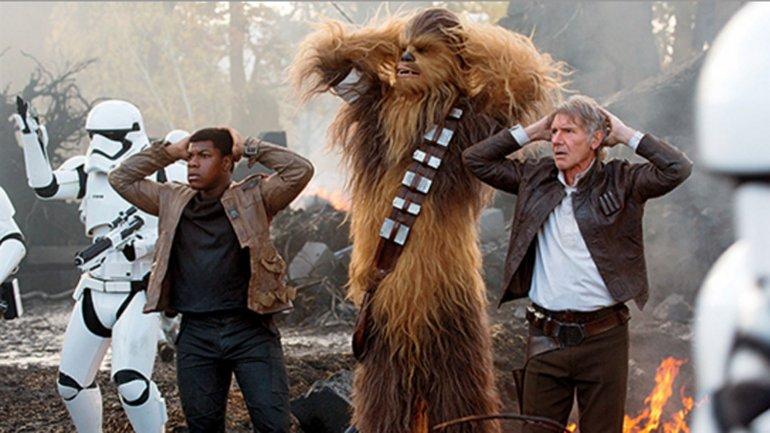 El episodio VII de Star Wars se ubica como la tercera película más exitosa de la historia
