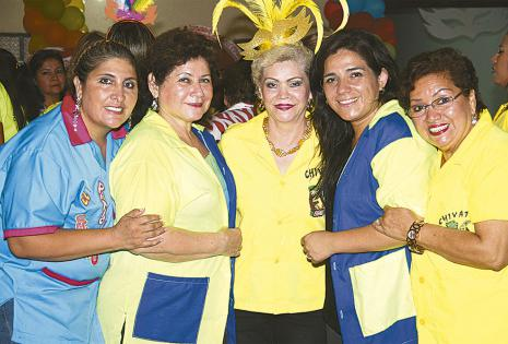 Kitty de González, Leticia Peña, Lenny Arias, Rocío de Orellana y Lucía de Cuéllar