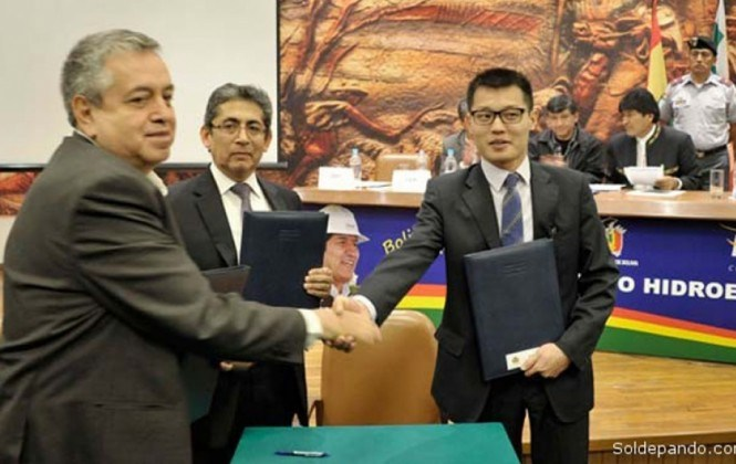 La empresa china Sinohydro ejecuta proyectos en el país por $us 851 millones pese a procesos pendientes en Ecuador