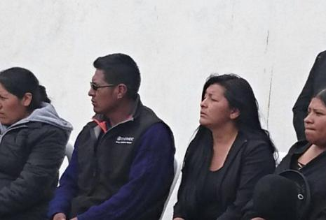 La alcaldesa Soledad Chapetón fue la única autoridad que participó del entierro.