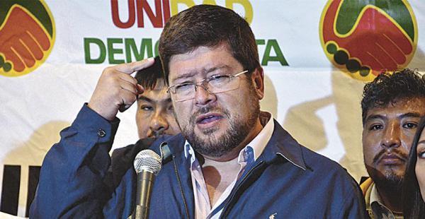 Doria Medina reveló en ELDEBER su relación laboral con Chávez