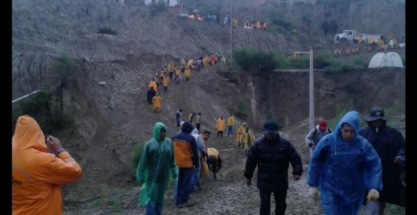 Deslizamiento en Jupapina. 11 familias afectadas, 15 hectáreas deslizadas