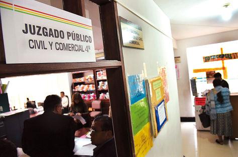 Labor. La atención en un juzgado de La Paz que funciona desde hace 20 días con el Código Procesal Civil. Foto. José Lavayen