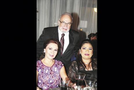María Eugenia de Landívar, Jorge Landívar y Silvia Arispe