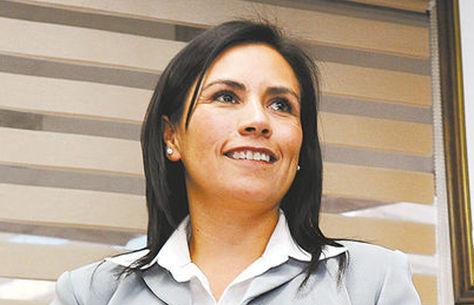 Andrea Oporto, gerente de Contrataciones de la estatal YPFB. Foto: Archivo