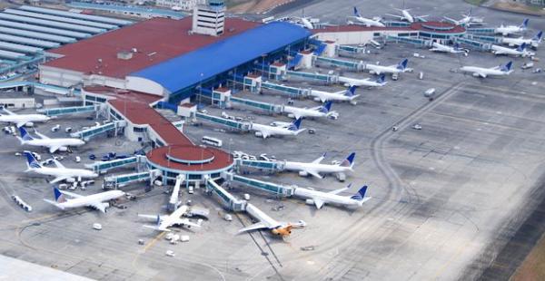 El Hub de las Américas, aeropuerto de Panamá. El Gobierno apunta a construir una terminal similar en Santa Cruz