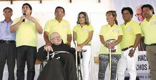 Hace 44 años que el Padre Alfredo realiza su labor cristiana en Santa Cruz