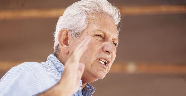 Rubén Costas asegura que la Gobernación creó 1.500 ítems