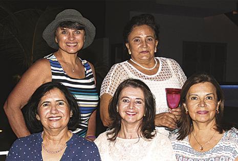 Pilar Amenábar, Eldy Áñez, Yolita Antequera, Tatiana Antipieff y Ludmila Kundenko