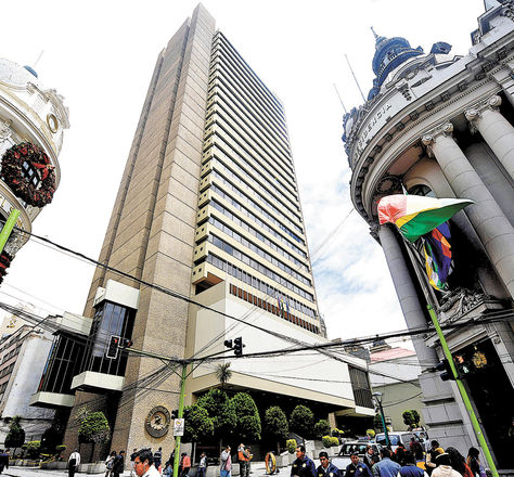 La Paz. En la fotografía se ve el edificio del Banco Central de Bolivia (BCB).