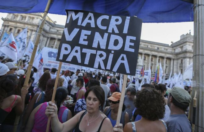 Las protestas llegaron temprano con el nuevo gobierno.