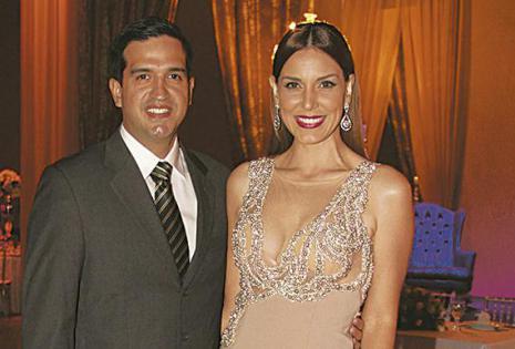 /ELEGANTES. José Antonio Zankiz Y Gabriela Oviedo