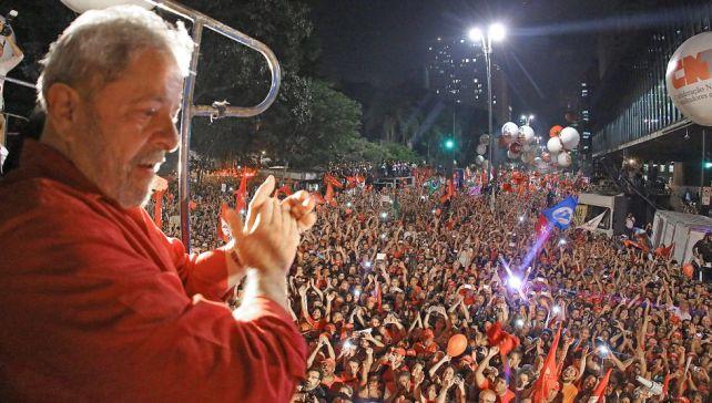 Lula da Silva, en la manfiestación celebrada en la Avenida Paulista, el viernes, en São Paulo.