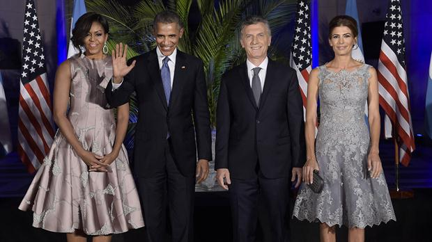 Los looks de Michelle Obama y Juliana Awada