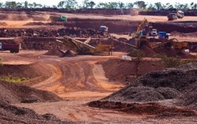 Gobierno firma contrato con la china Sinosteel para construir siderúrgica del Mutún