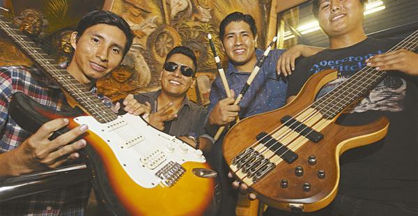 ALGUNOS DE LOS INTEGRANTES Jorge Alcócer (guitarra), Álvaro Caballero (voz), Lucio Yúgar (batería) y Jhoner Joaniquina (bajo)