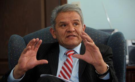 El defensor del Pueblo, Rolando Villena
