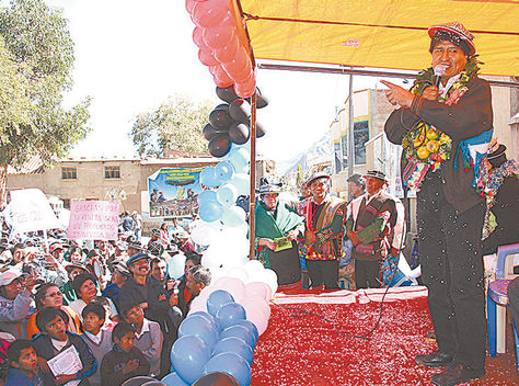 Acto. Evo Morales en el acto de Tomave, en Potosí, llevado a cabo ayer.