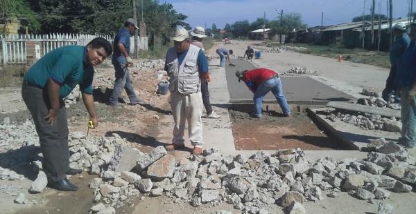 Los vecinos denuncian deterioros en el asfalto de una de las principales avenidas de San Julián