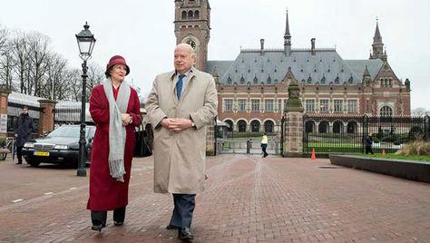 María Teresa Infante y José Miguel Insulza en la CIJ de La Haya