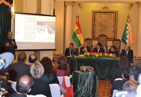 El presidente Evo Morales reunido con cuerpo diplomatico y representantes de Organismos Internacionales. Foto: ABI
