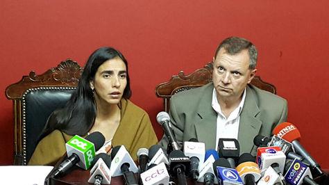 La presidenta de la cámara de Diputados, Gabriela Montaño, junto al presidente de la cámara de Senadores, José Alberto Gonzales