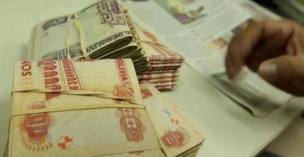 El ministro Arce Catacora considera que este incremento refleja claramente que existe mayor capacidad de ahorro en los boliviano