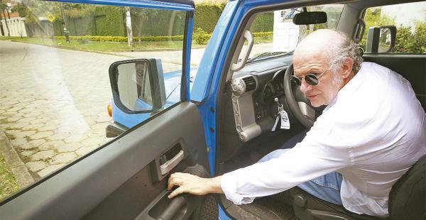 Los abogados del periodista Carlos Valverde presentaron un recurso de extinción del caso