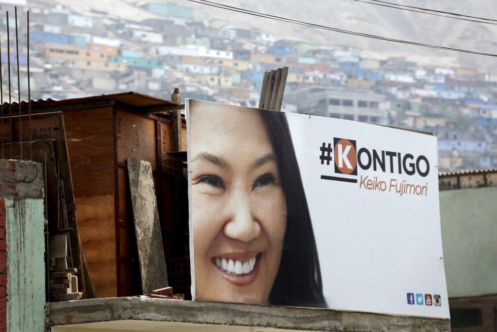 Un cartel de la candidata presidencial Keiko Fujimori.
