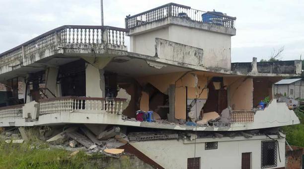 Casas colapsaron en Pedernales tras el terremoto en Ecuador. Foto: Juan Carlos Pérez  para EL COMERCIO