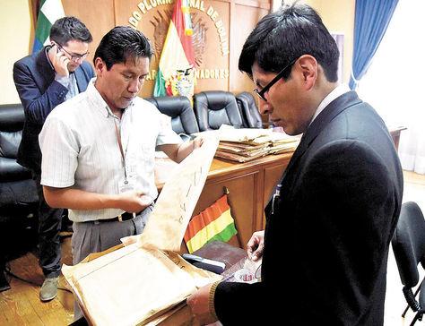 Proceso. La comisión legislativa recibió 163 sobres de postulaciones