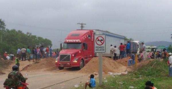 El conflicto en Tarija continúa, solo se logró levantar el bloqueo en la ruta a Yacuiba, en Villamontes sigue el conficto