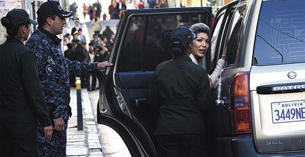 Gabriela Zapata, que dice tener un hijo con el presidente Evo Morales, no llevó al menor para someterlo al examen de ADN, como ordenó la justicia