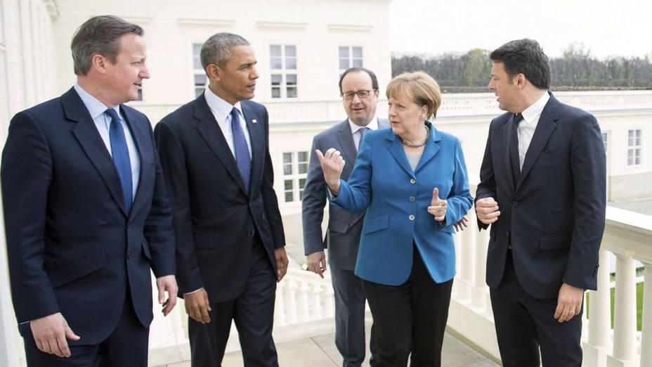 La canciller alemana, Angela Merkel; al presidente estadounidense, Barak Obama; al presidente francés, François Hollande, al primer ministro británico, David Cameron; y a su homólogo italiano, Matteo Renzi; durante una cumbre informal en Hannover.