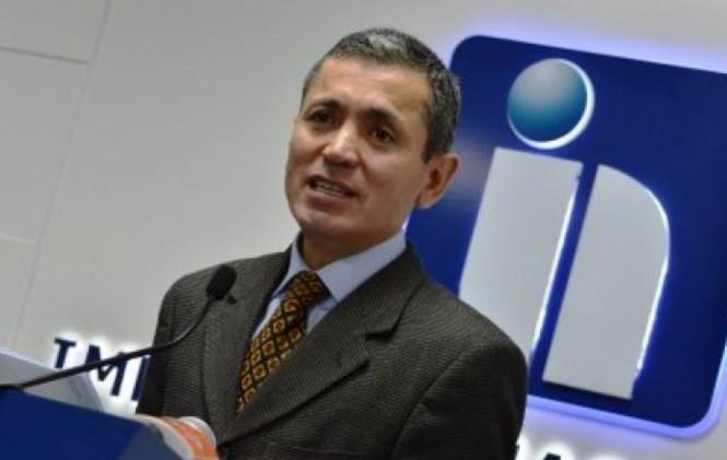 Presidente del SIN se querella por estafa contra constructor y éste lo denuncia por defraudación tributaria